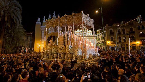 İspanya'da Semana Santa Haftası için heyecan dorukta ve hazırlıklar başladı. #lasemanasanta #granada #andalucia #seville   http://www.turizmtatilseyahat.com/?p=51903