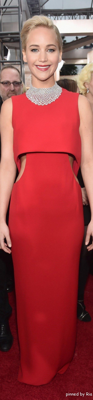 Jennifer Lawrence in Dior l Golden Globe Awards 2016 l Ria