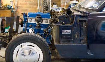 Beautiful stop-motion engine rebuild
