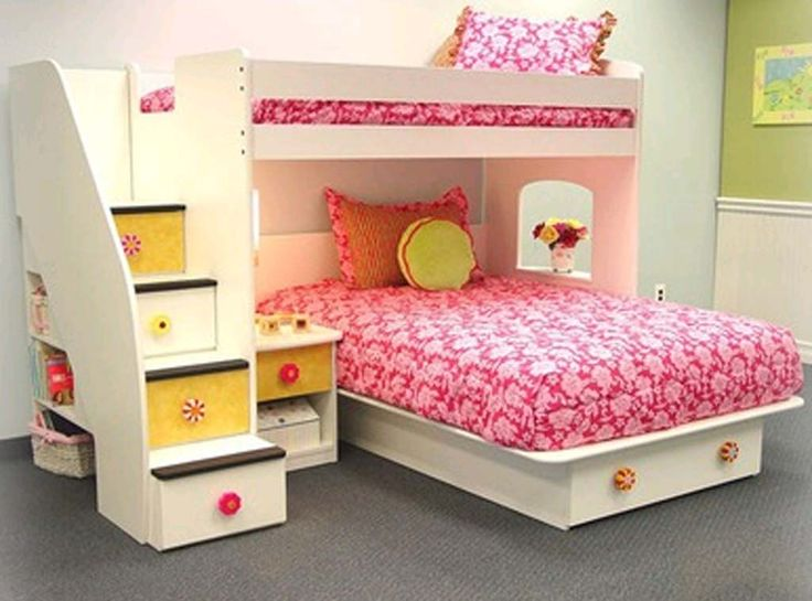 Twin over Full bunk bed layout (don't love the design of the room overall, but this bed layout is interesting).