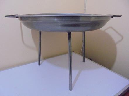 Disco para Asados en fierro 52 cm con Patas Desmontables   www.losparrilleros.cl