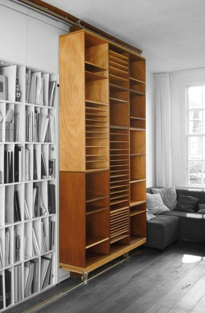 bibliothèque en bois, idée aménagement pour le salon, etagere en bois, sauver un espace libre