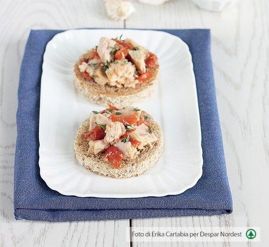 #ricettasana: crostini con tonno e pomodori secchi | casadivita.despar.it