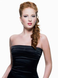 Prom Hairstyles for Strapless Dress