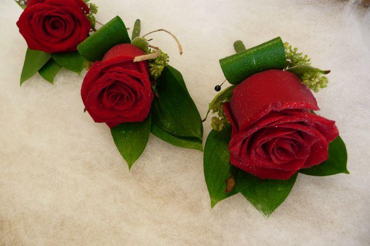 Formal rose button www.wanakaweddingflowers.co.nz/gallery/