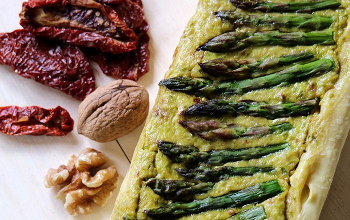 Cake di asparagi con pomodori secchi e noci | Vita su Marte