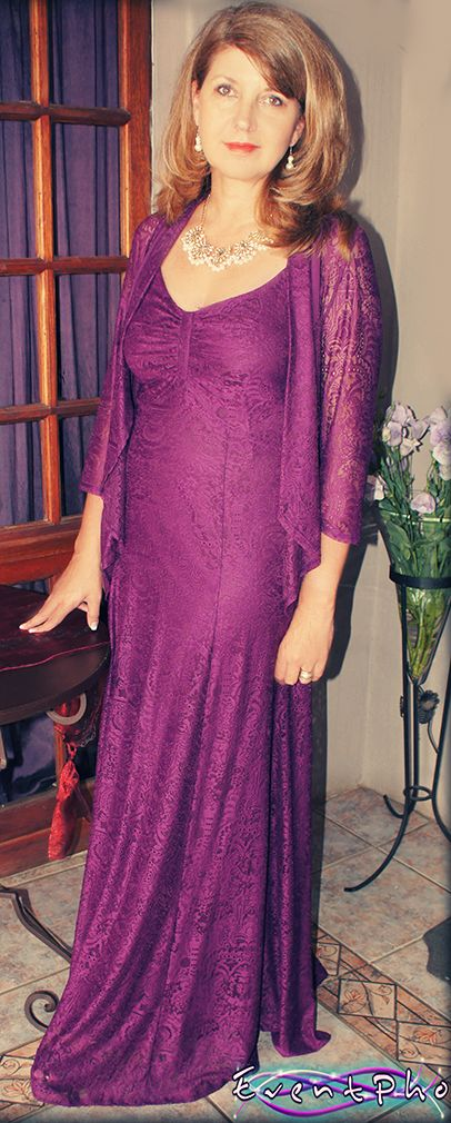This lovely Mother of the Bride style is a flattering elegant look. www.superiorclothing.co.za
