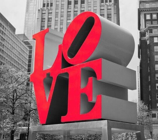 Patung Love sangat populer. Karena banyak yang mempopulerkan patung tersebut