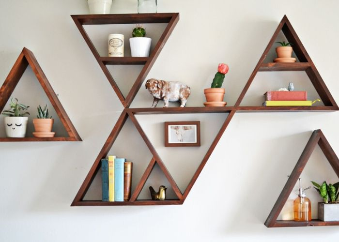 Wall shelves are taking the interior design world by storm. #shelves #interiors #lifeinstyle Image from whimsydarling.com