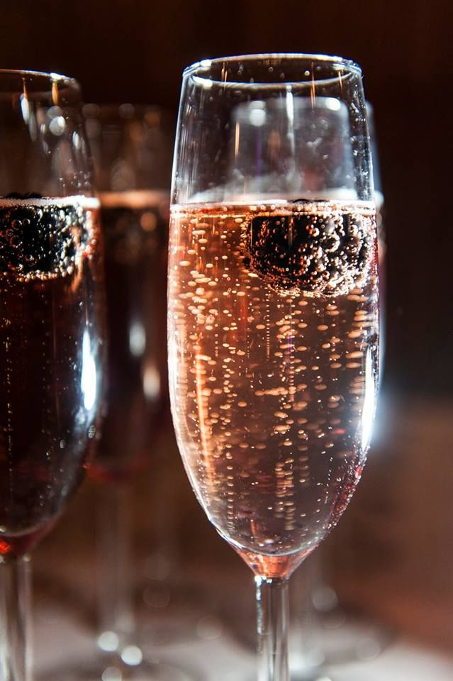 Ideal #wedding #drinks Classic Kir Royale