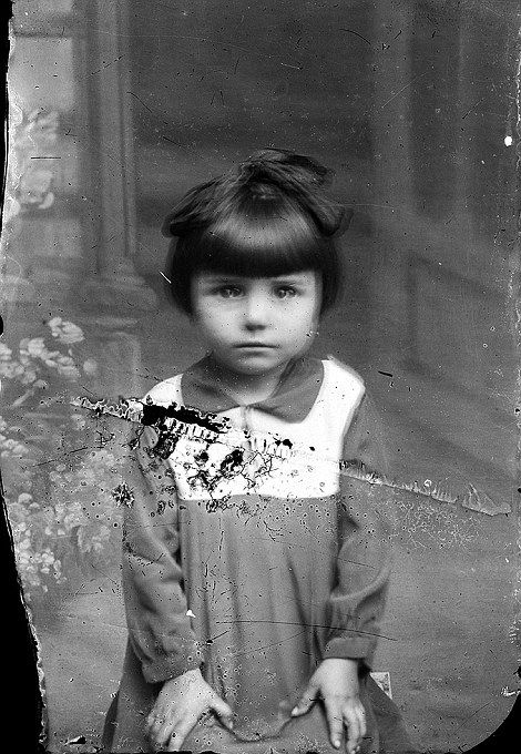 Romanian child photographed by Costica Acsinte