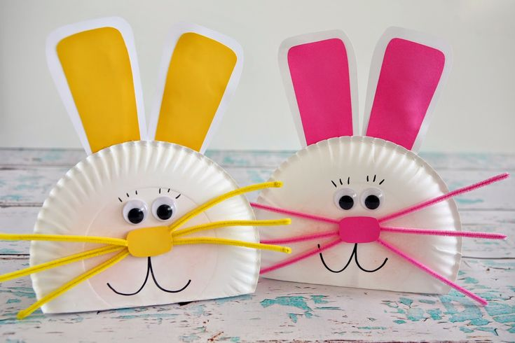 eighteen25: Paper Plate Bunny SUPPLIES: • paper plates • white and pink cardstock (or any color you'd like your bunny) • pipe cleaners (3 per bunny) • black marker • powder blush • large googly eyes • scissors • glue - Elmer's and hot glue • popsicle stick