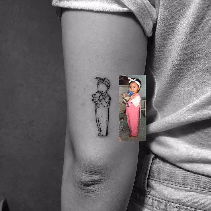 Now that's a way of having a picture of your beloved one tattooed on you. No