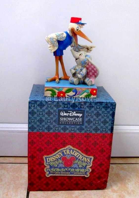 #figurine #cigogne #elefant #dumbo @LauryRow   like my page here :: https://www.facebook.com/pages/Disneycollecbell/603653689716325