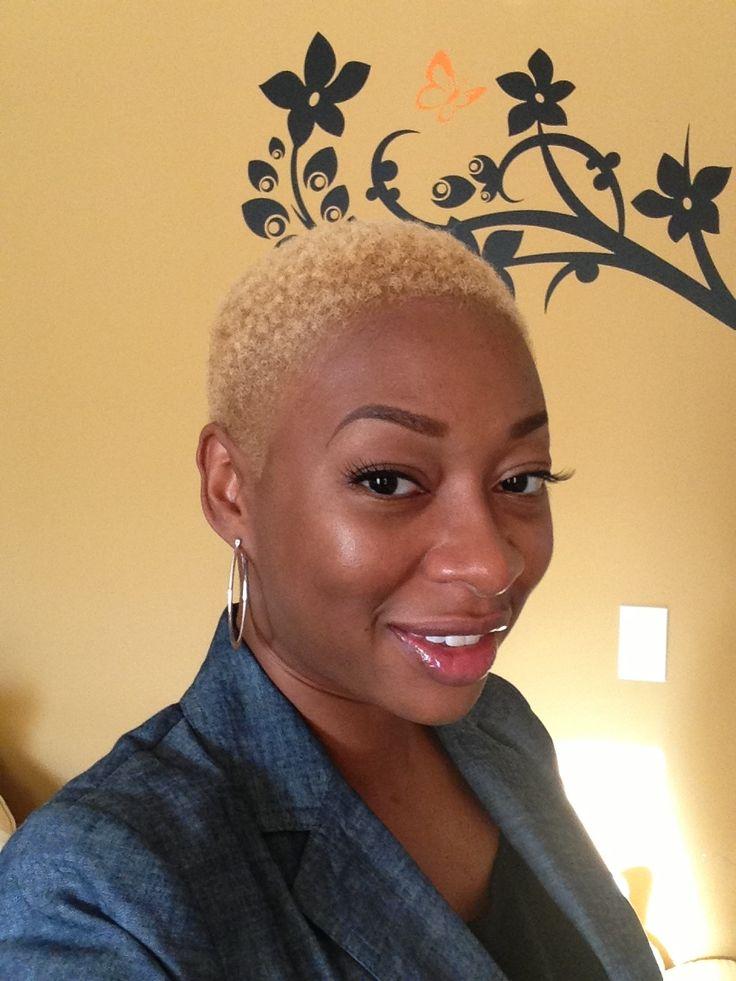 Me - Clairol Textures & Tones Lightest Blonde -short