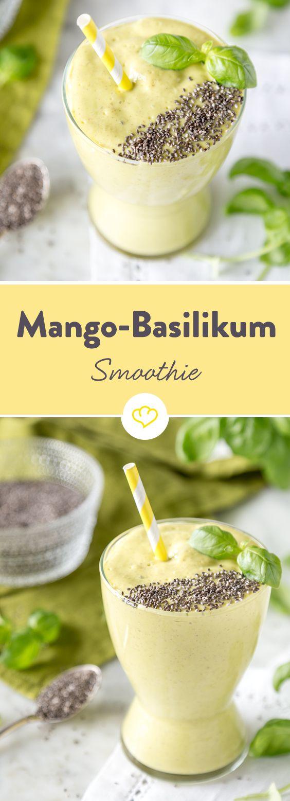 Basilikum zu Pasta. Basilikum zu Pizza. Basilikum zu(m)... Smoothie! In Kombination mit Mango, Kokoswasser, Joghurt und Chia-Samen ein Superfood-Smoothie.