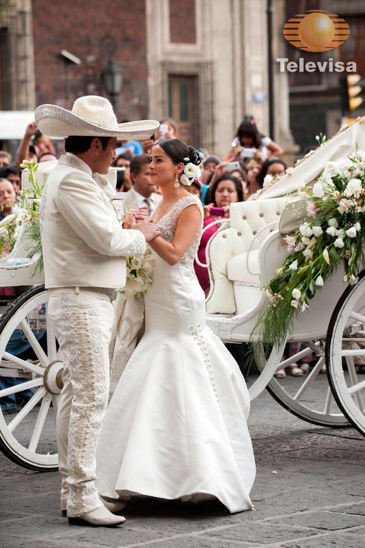 Gran Final De Que Bonito Amor Charro Escaramuza Wedding