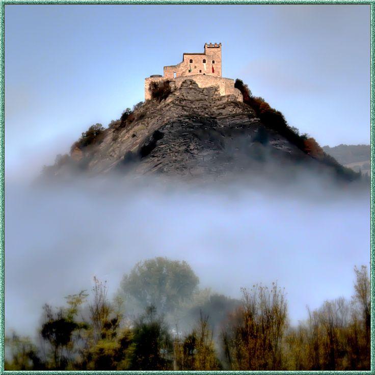 Camerino: Rocca dei Varano, province of Macerata, Marche. 43°8′25″N 13°4′8″E