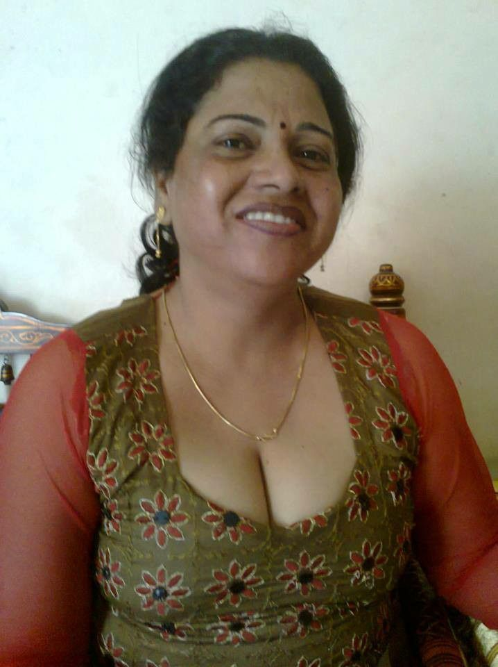 image Bangla desi rich lady selfie
