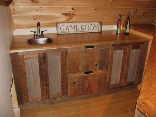 https://i.pinimg.com/736x/c1/d1/c9/c1d1c933e951ef176d355c0526ed3de1--bar-sink-rustic-furniture.jpg
