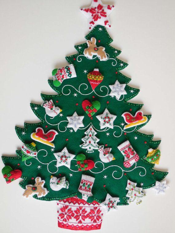 Calendario de Adviento acabado  árbol de Navidad nórdica