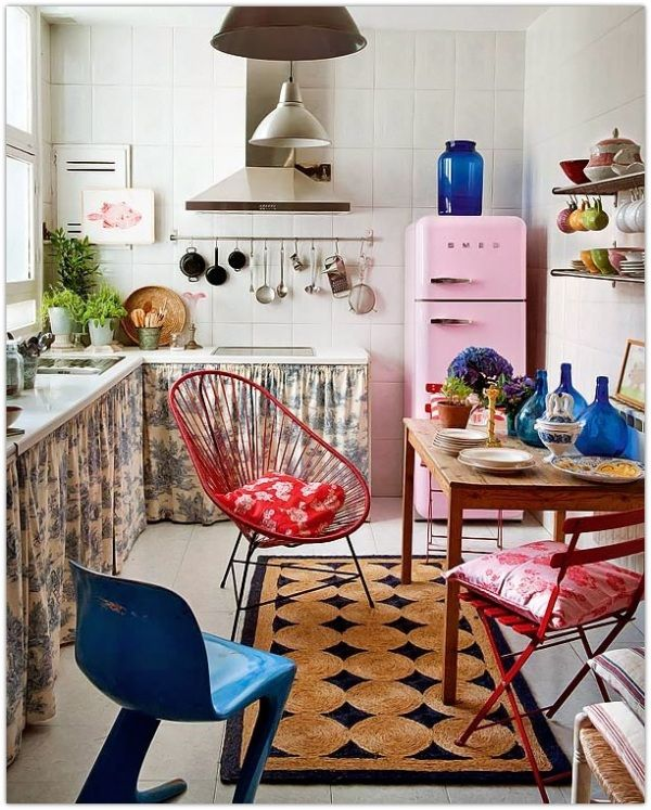 Art Symphony: Colorful Apartment in Madrid