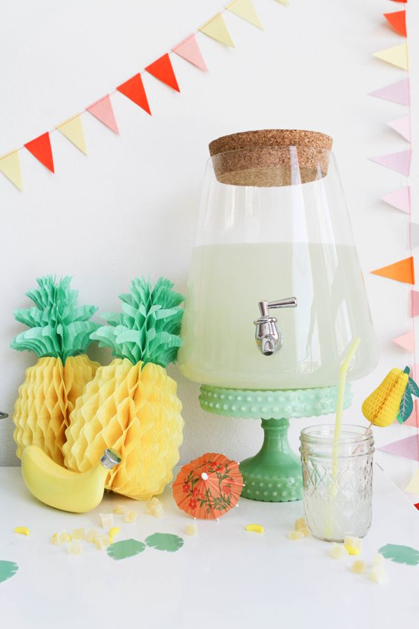 Pineapples! Tropicolada Popsicle Party from Oh Happy Day! #tropicalparty