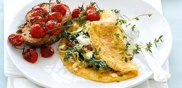 Omelette with ricotta, spinach and caramelised leeks