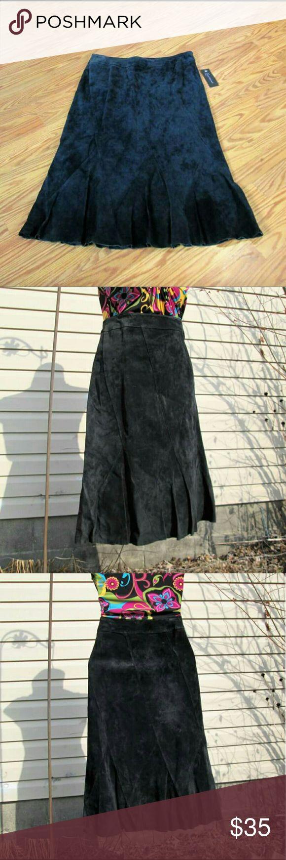 NWT 💎Suede Tulip Skirt Flirty lil kick hem. Triangle panel detailing. Fully lined. Side zip.  Measured flat. 16 1/2'' across waist. 31'' long.  feminine boho bohemian gypsy hippie festival Context Skirts