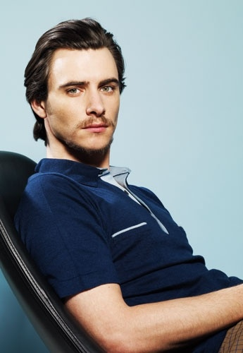 Harry Lloyd is so handsome.