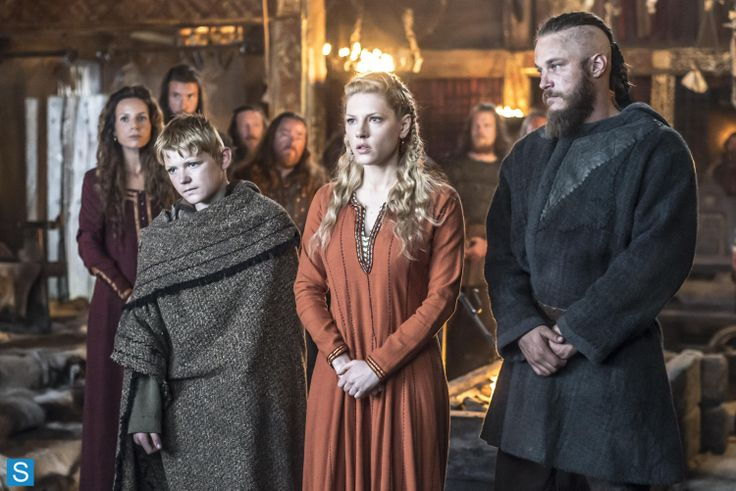 Ragnar, Lagertha, Bjorn, Siggy - Vikings - S2 EP1 - Brother's War