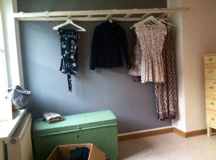 leiter als kleiderstange m belchen pinterest kleiderstange leiter und m bel. Black Bedroom Furniture Sets. Home Design Ideas