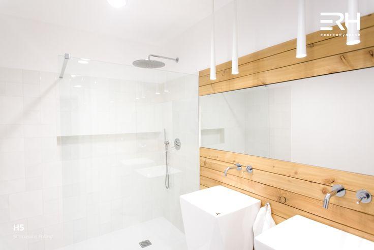 House H5 in Skierniewice, Poland #architecture #design #modernarchitecture #dreamhome #home #house #modernhome #modernhouse #moderndesign #homedesign #homesweethome #scandinavian #scandinaviandesign #lifestyle #stylish #interior #interiors #homeinterior #pastel #woods #comfortzone #cozy #bathroom #spazone #white #decor #openspace #ecoreadyhouse #erh