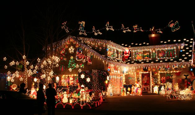 houses decorated for christmas with icicle lights | ... decorated houses. Since it has no shortage of details or spirit, we