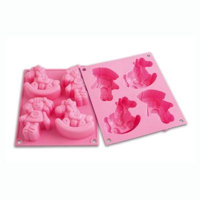 Forma HAPPY DOLLY infantil (Boneca e cavalo de balanço) para bolinhos, pudins e etc,. Cor de rosa com 4 cavidades, volume de 206 ml. http://monteluce.com.br/silikomart/forma-happy-dolly-infantil-boneca-e-cavalo-de-balanco-para-bolinhos-pudins-e-etc-cor-de-rosa-com-4-cavidades-volume-de-206-ml-69-5-x-74-h-28-mm?page=3 #decor #decorar #decoracao #casa #monteluce #decoracaodeinteriores #festa  #silikomart #silicone #utensílios #formadesilicone #forma #happydolly http://monteluce.com.br