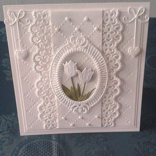 Gorgeous all white handmade card - Kaartengalerij - Marianne Design