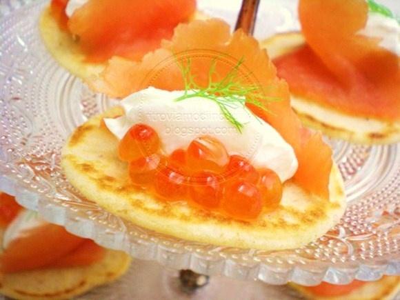 Cream cheese salmon blinis with delicious, salty salmon eggs