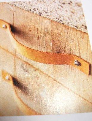 Leather handles on www.buisjesenbeugels.nl