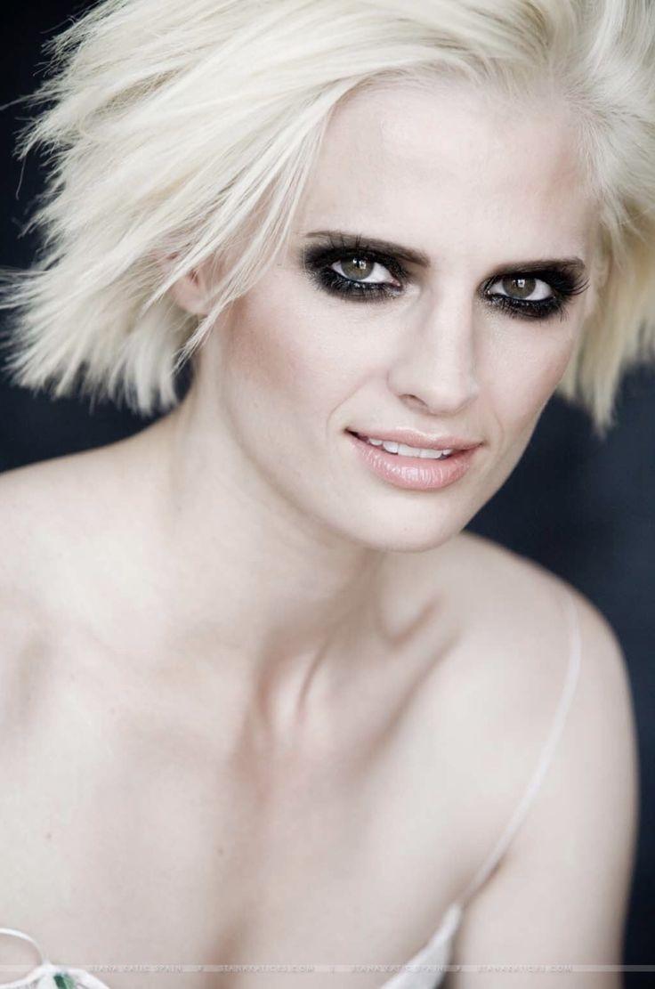 Idea by Linda Isham on Stana photo shoots | Stana katic ...