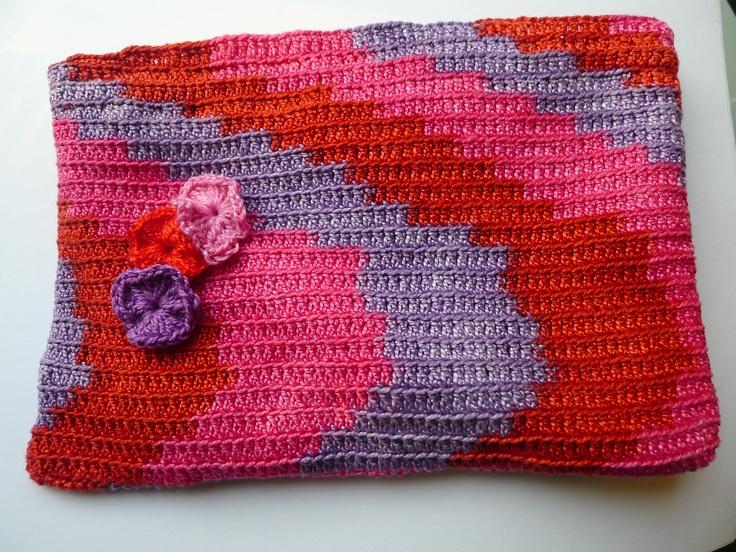 Estuche crochet. Blanca C.Romea