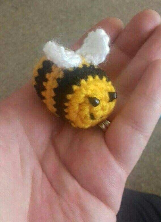Crochet bee for Jen 🐝