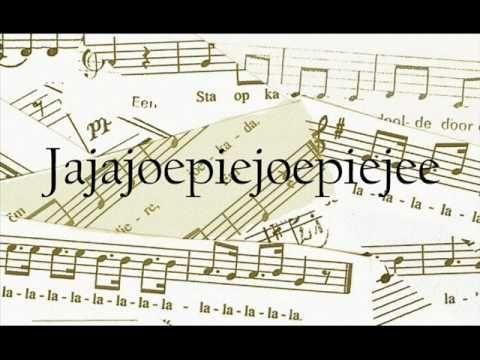 loelalilee - Met dit liedje kun je allerlei spelletjes doen. Verander de medeklinkers en maak er een koeienlied van: Boe ba bi bee ... Koe ka ki kee ...