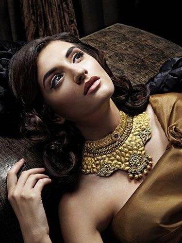 Traditional and stylish Indian bridal Jewellery.