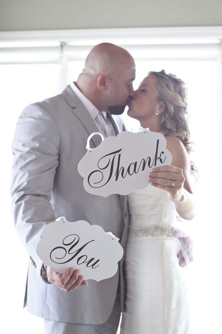 Must have wedding picture!  Perfect to make into thank you post cards!