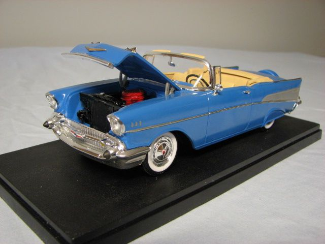 1957 Chevy Convertible Plastic Model Car Kit In 1 25 Scale