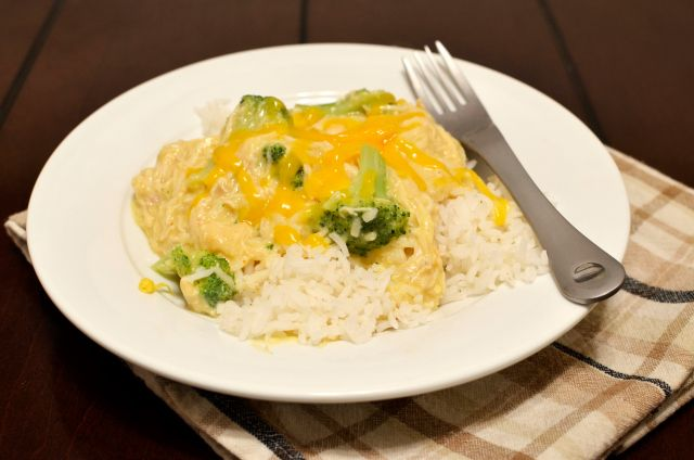 Crock Pot Cheesy Chicken and Broccoli over Rice