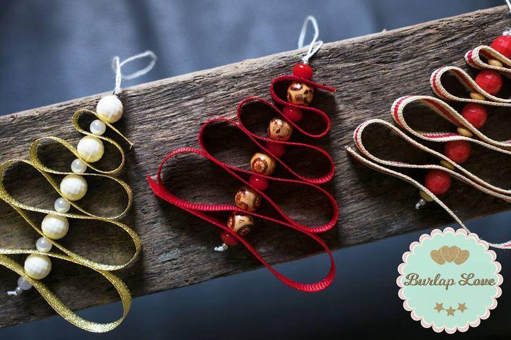 Hermosos adornitos para colgar en tu árbol de Navidad! Pídelos en el color que deseas, nosotros los hacemos y te lo entregamos a domicilio. 😉