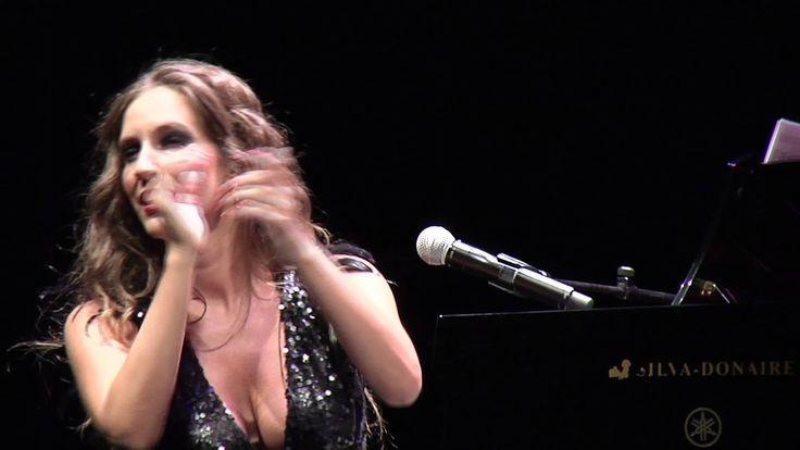 MARIA TOLEDO  -Tangos  (en directo desde el Teatro Lope de Vega de Sevilla)
