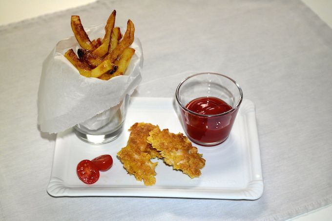 Home-made Chicken Nuggets with Cornflakes breading and Friench Fries - www.FoodFamily.net