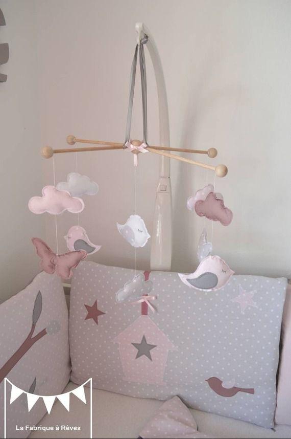 Sur commande - Mobile oiseaux nuages papillons gris rose poudré blanc vieux rose
